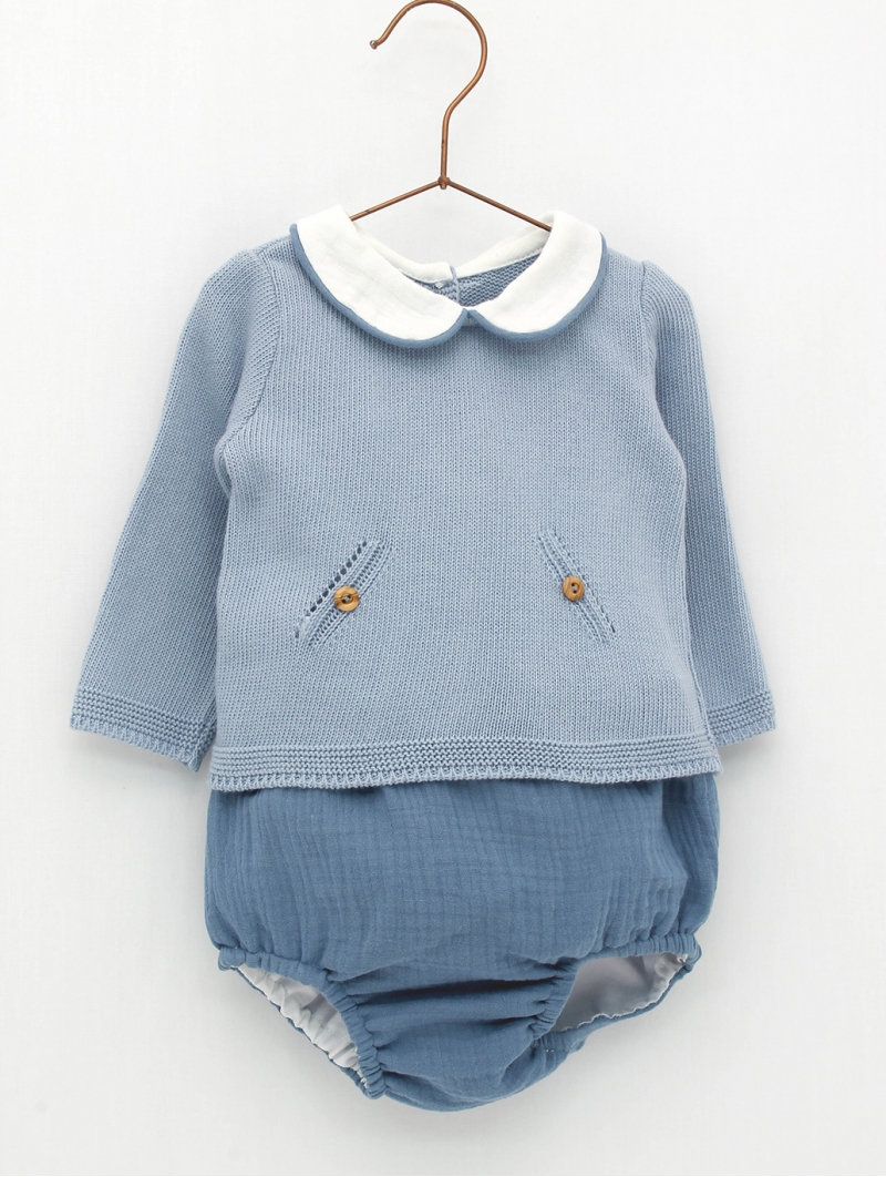 Baby jumper and shorties of the same colour