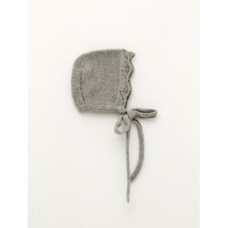 Garter stitch bonnet with wave