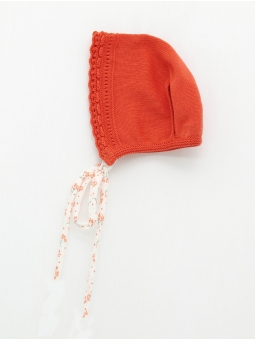 Open stitch bonnet
