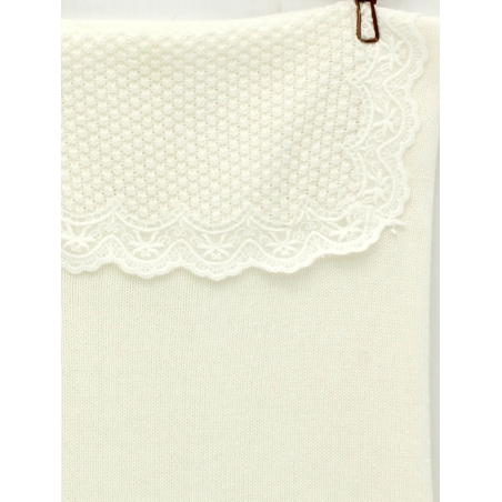 Baby knitted blanket with lace