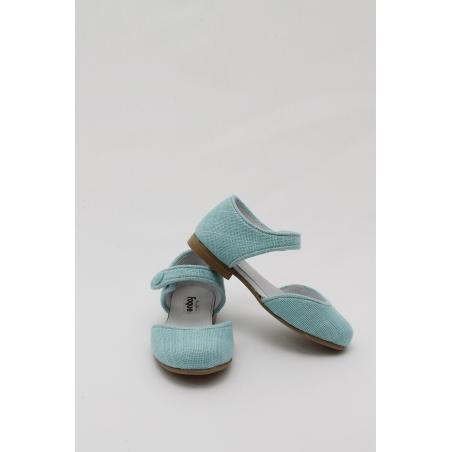 Bailarina con pulsera tejido lino