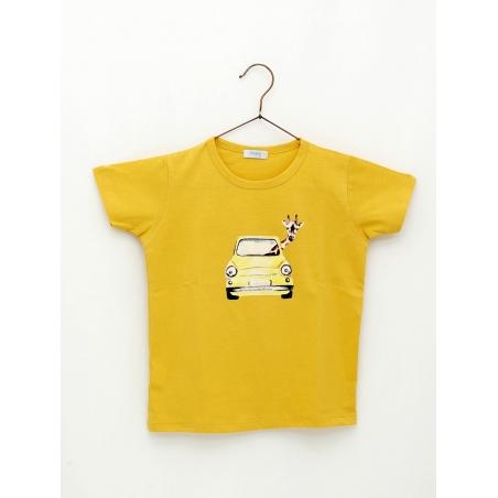 Boy T-shirt with giraffe by car print