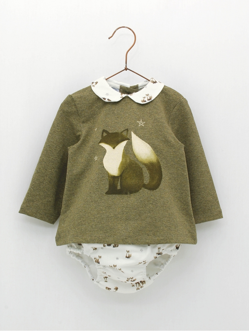 Set of little foxes patterned sweater and bloomers