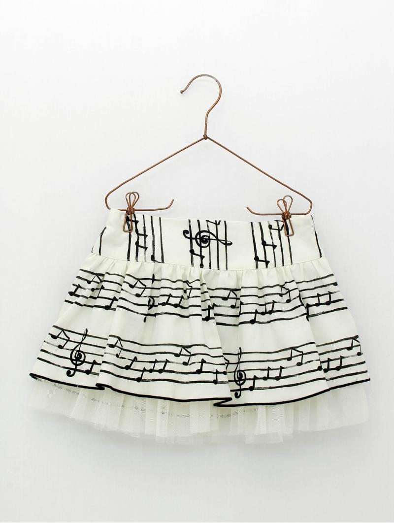 Music sheet patterned girl skirt