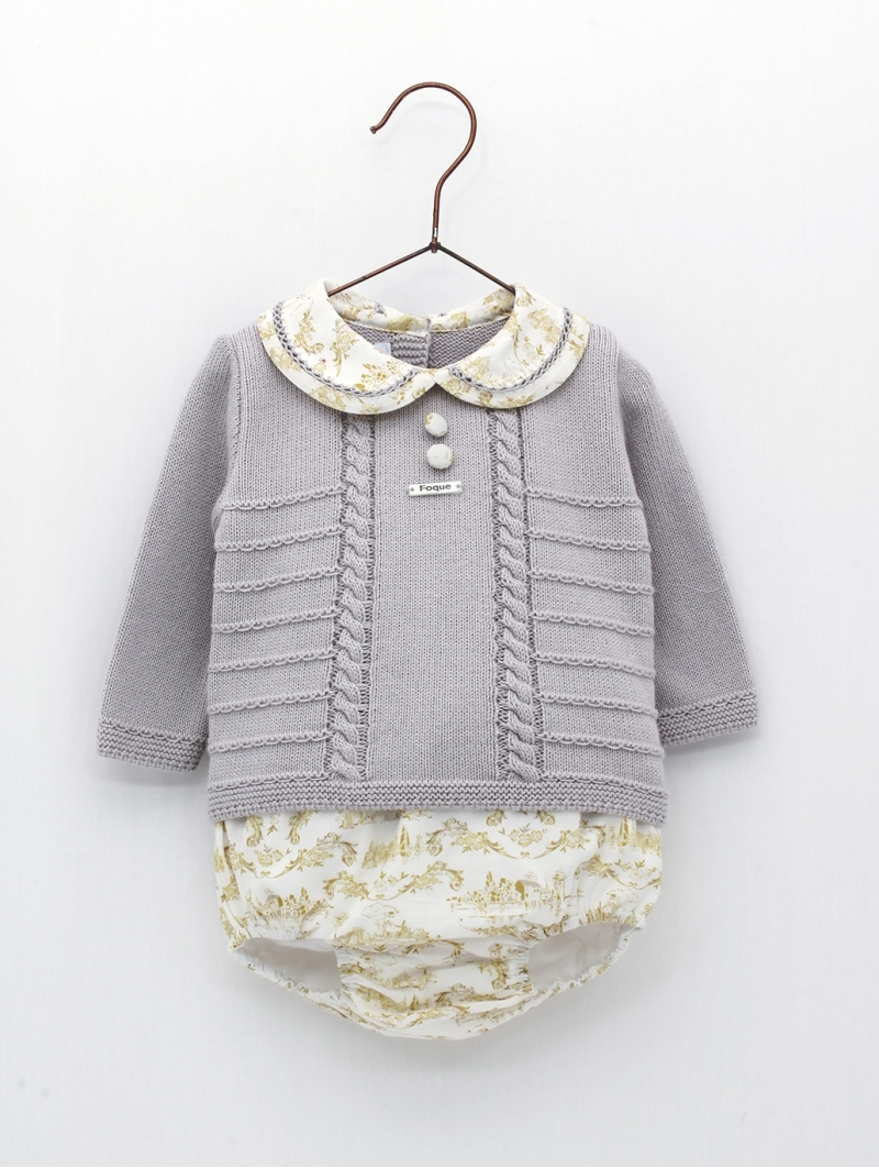 Set of patterned jumper and bloomers
