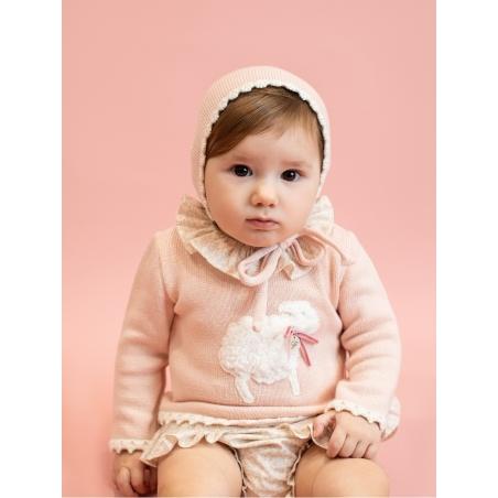 Baby girl bonnet with wavy start