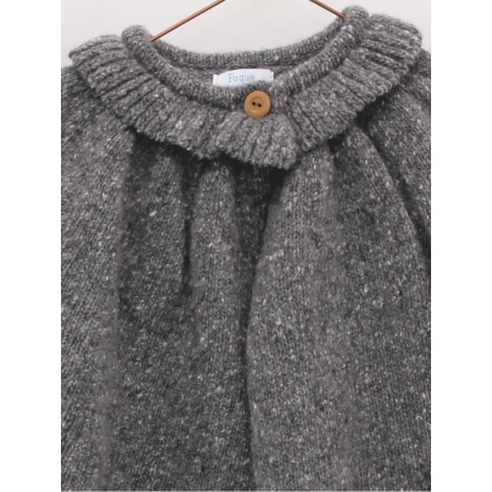 Abrigo capa de punto con cuello volante